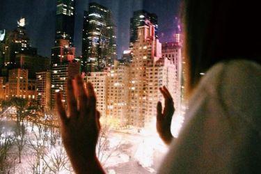Пусть ночь заберет все твои плохие мысли, засыпай моя родная, спокойной и тихой тебе ночи.