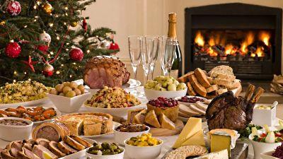 Самое главное для тотемного животного 2018 года – это большое количество мясных блюд на праздничном столе. Различные мясные нарезки, колбасы, паштеты.