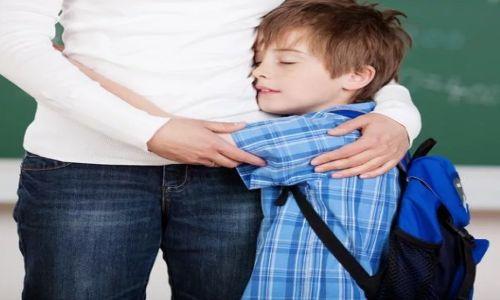 Первый поход в школу для маленького человека – стрессовая ситуация.