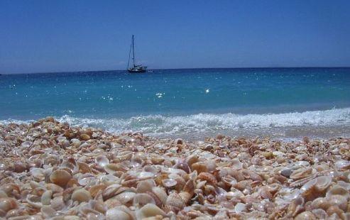 Неуловимая изменчивость моря восхищает людей, обладающих воображением и чувствующих поэзию океана.