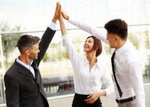 Только командная работа может принести - прекрасный результат, чем работа - одного человека.