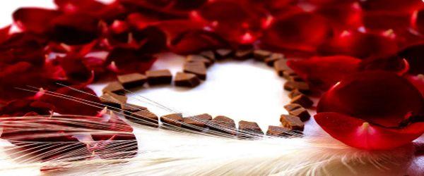 На 14 февраля можно подарить коробку дорогих конфет.