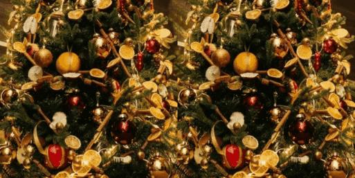 Новогоднее дерево в экостиле смотрится просто и изящно!