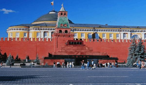 обязательно нужно посмотреть в Москве